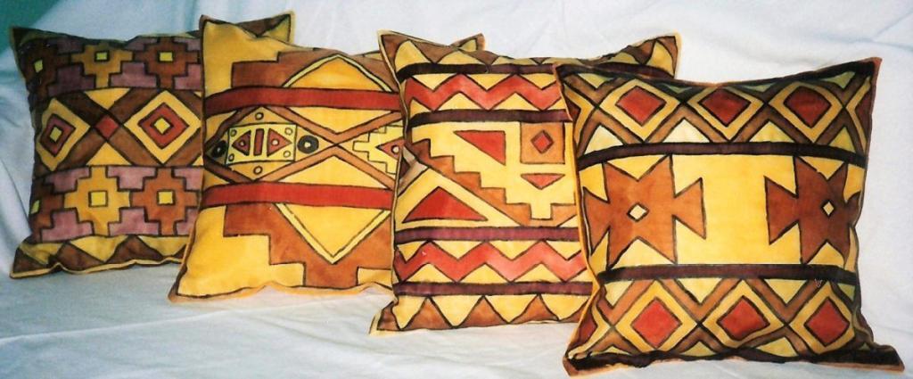 Kézzel festett selyem párna mexikói mintával