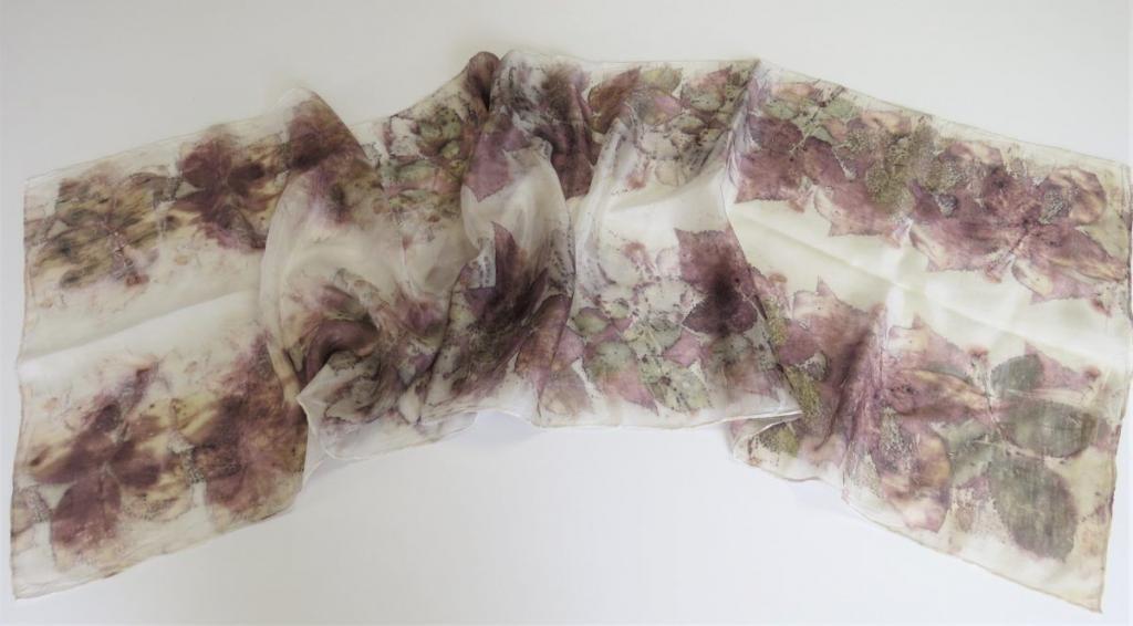 eco print technikával festett selyemsál