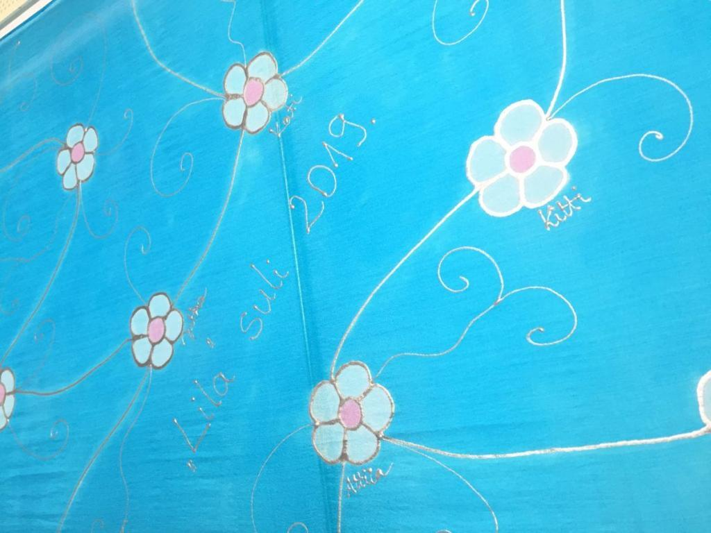 kézzel festett selyemsál megrendelésre