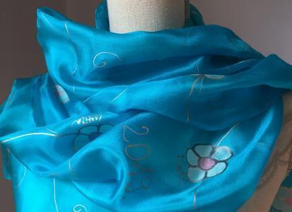 Ballagási ajándék, egyedi, kézzel festett selyem