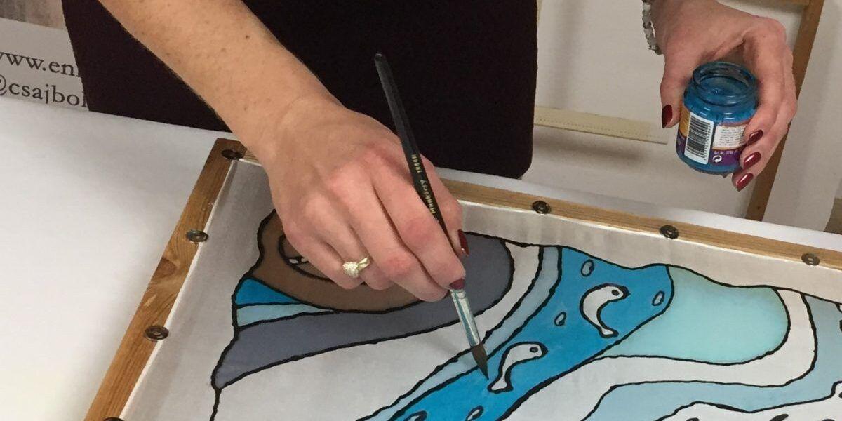 Selyemkendő festés