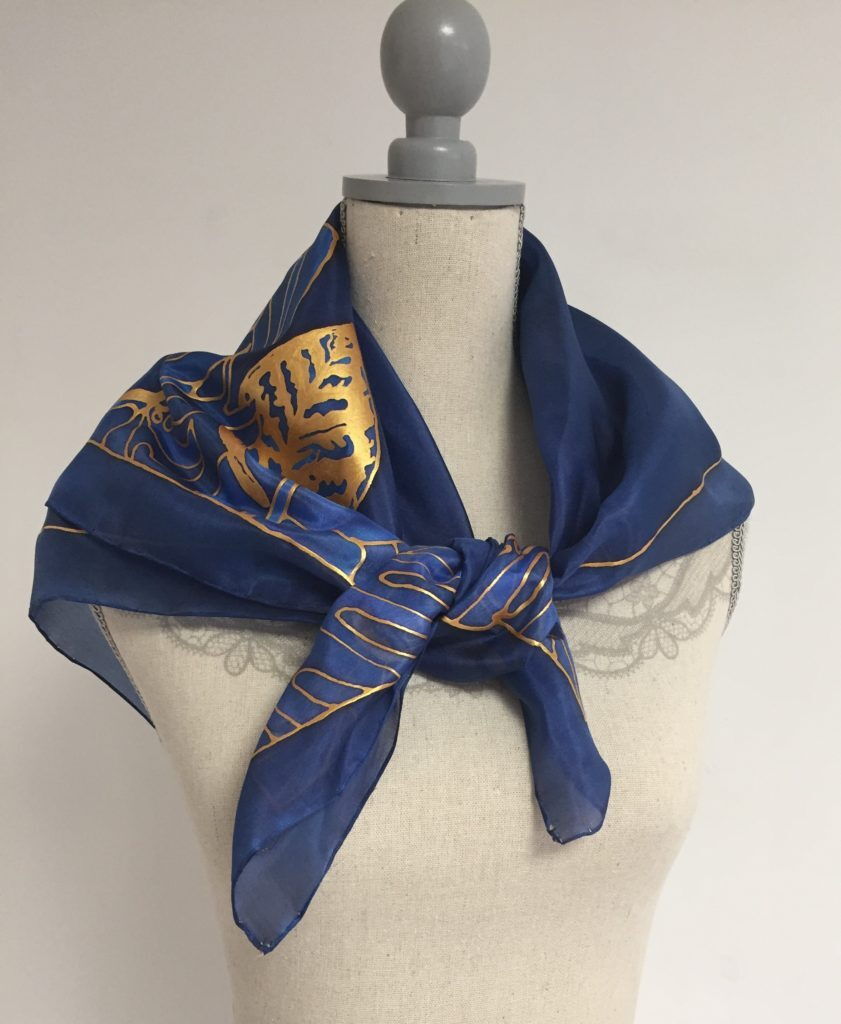 Kész selyemkendő